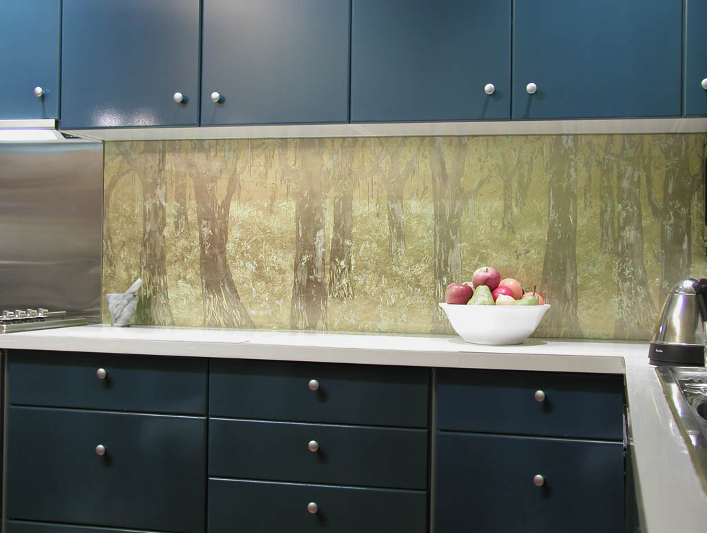 Kitchen glass wall panels modern diy art designs for Glass kitchen wall units
